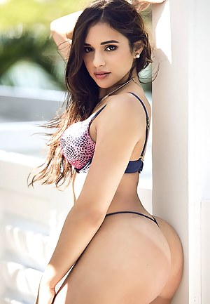 Nude Big Booty Porn Pictures