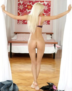 Nude Big Ass Blonde Porn Pictures