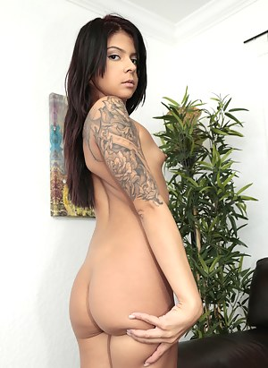 Nude Big Ass Small Tits Porn Pictures