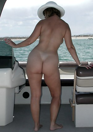 Nude Big Ass Boat Porn Pictures