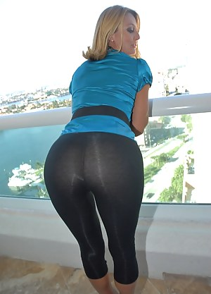 Nude Big Ass Yoga Pants Porn Pictures