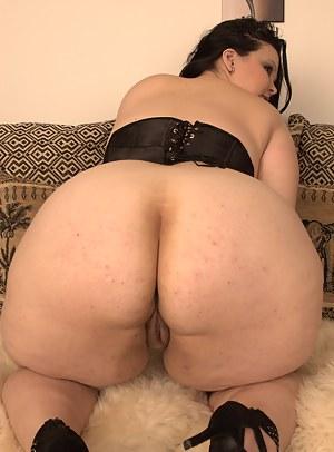 Nude BBW Big Ass Porn Pictures