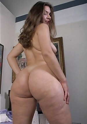 Nude Mature Ass Porn Pictures