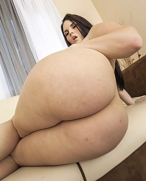 Nude Chubby Big Ass Porn Pictures